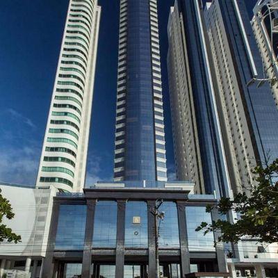 Apartamento à venda no edifício Baturité Frente Mar Balneário Camboriú