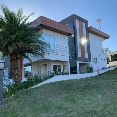 Casa à Venda no Condomínio Porto Riviera Exclusive, na Praia Brava