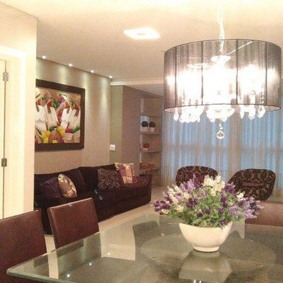 Apartamento á venda no edifício Torremolinos Finamente  Mobiliado e decorado na Quadra do Mar