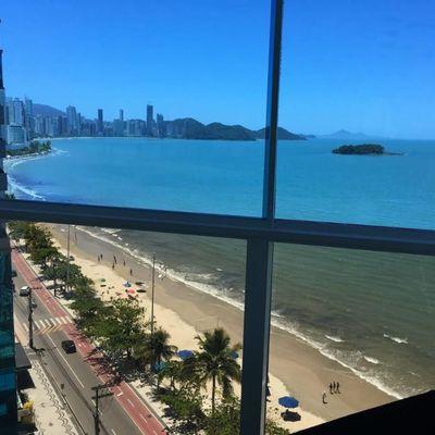 Apartamento á venda  no edifício The Sun Towers Frente Mar Balneário Camboriú