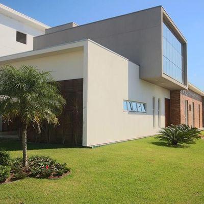 Condomínio Caledônia - Casa Duplex á Venda em Camboriú