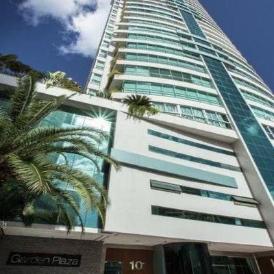 Apartamento no Edifício Garden Plaza em Balneário Camboriú