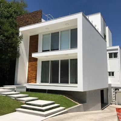 Casa à venda no Condomínio Porto Riviera, na Praia Brava