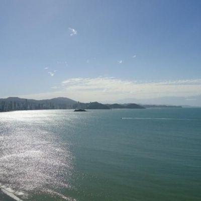 Conheça alguns dos edifícios de frente para o mar em Balneário Camboriú