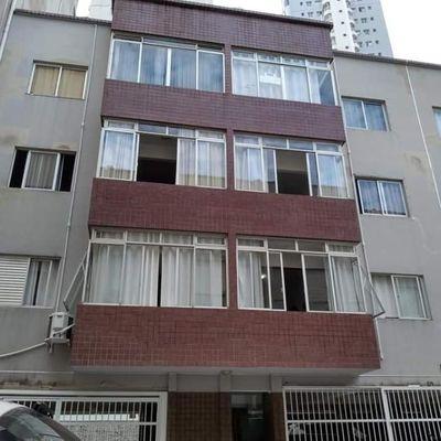 Edifício Residencial Helena, em Balneário Camboriú