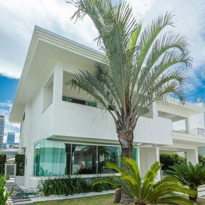 Casa Duplex à venda no Condomínio Porto Riviera, na Praia Brava