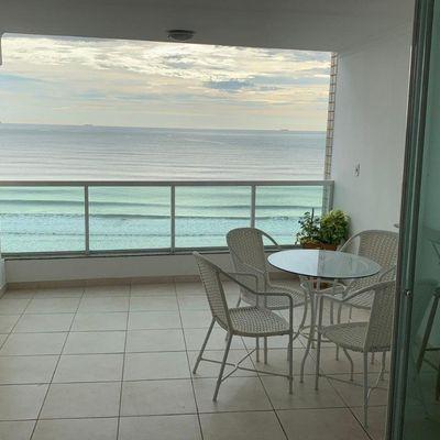Apartamento à venda no edifício Maria Amelia frente Mar Balneário Camboriú
