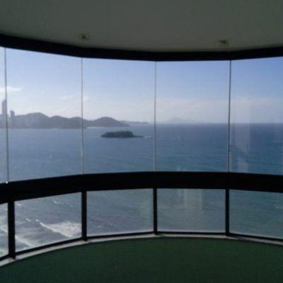 Frente Mar Mobiliado, Decorado com 290m²