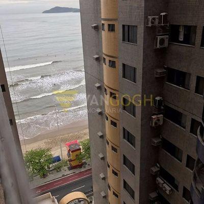 Apartamento à venda no edifício Scheidemantel Mobiliado em Balneário Camboriú Frente Mar