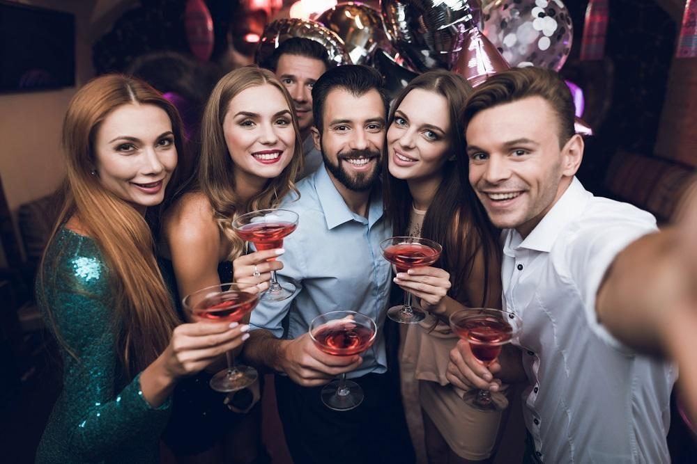 Como organizar uma festa em apartamento sem incomodar os vizinhos