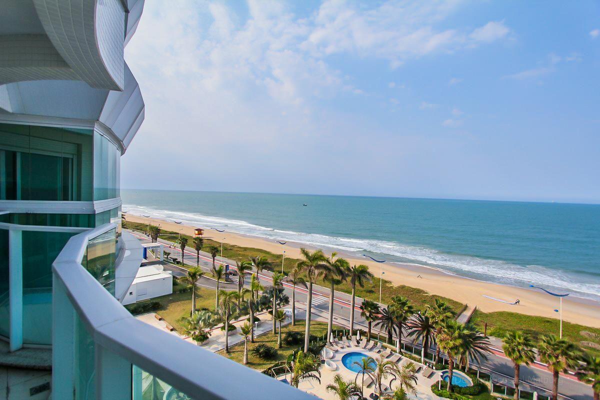 Apartamento na praia: vale mais a pena um ventilador de teto ou ar condicionado?