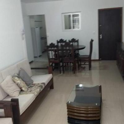 Quadra Mar - Apartamento 02 dormitórios mais dependência-Vaga de garagem privativa -Quadra Mar