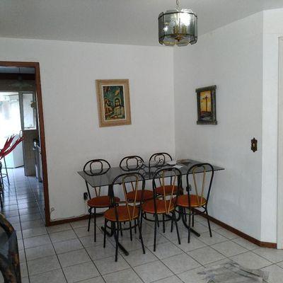 Apartamento com -02 suítes com sacada - Próx. à Roda Gigante