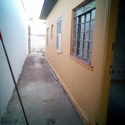 Casa 2 qtos Centro
