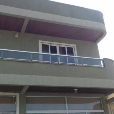 Casa c/3 Dormitórios  para Temporada em Bombinhas / SC no bairro Bombas