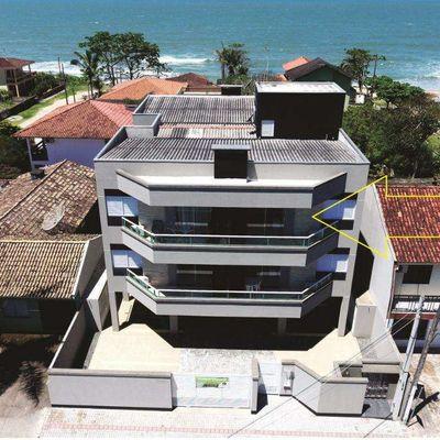 Apartamento de um quarto, na quadra do mar, Balneário Itapoá. Frente para Av. Brasil.