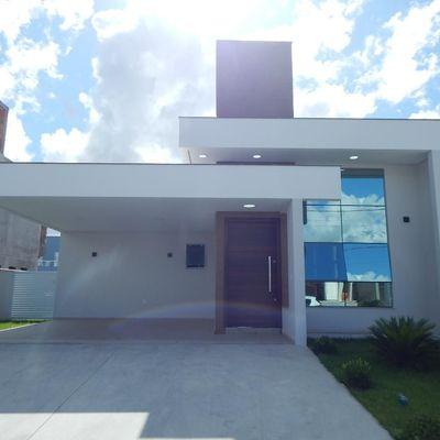 Linda Casa no Condomínio Caledônia em Camboriú!
