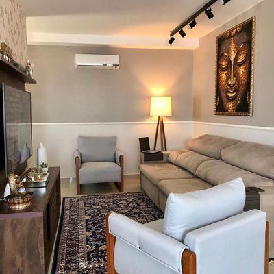 Lindo Apartamento Semimobiliado no Centro de Camboriú
