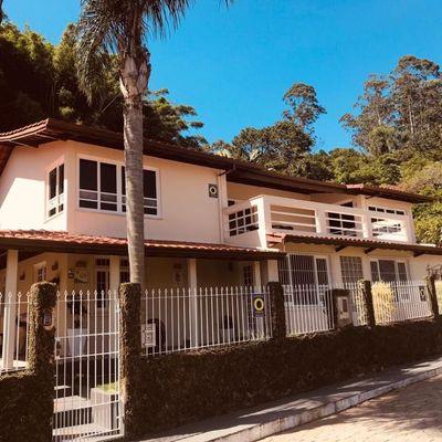 Excelente Casa - 3 Suítes - A 100 m da Praia - Cabeçudas - Itajaí/SC