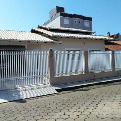 Excelente Casa - 2 Suítes + 2 Dormitórios - Gravatá - Navegantes/SC