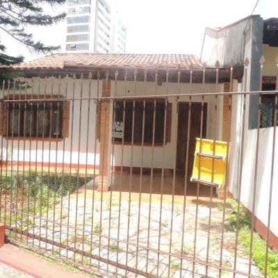 Linda Casa Comercial - 2 Qts - Ótima Localização - Centro - Itajaí/SC