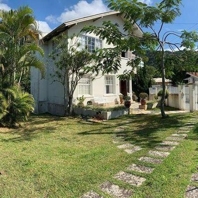 Casa - 1 Suíte + 5 Qts - 6 Vagas + 360 m² - Cabeçudas - Itajaí/SC