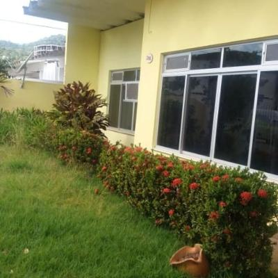 Ótima Casa - 1 Suíte + 3 Qts - Dom Bosco - Itajaí/SC