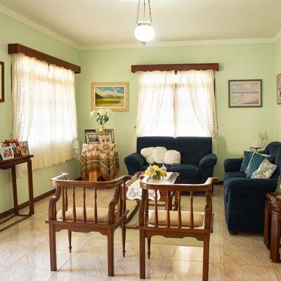Belíssima Casa - 3 Suítes + 1 Qt - 3 Vagas + 360 m² - Cabeçudas - Itajaí/SC