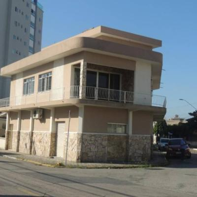 Excelente Casa - 1 Suíte + 4 Qts - Centro - Itajaí/SC