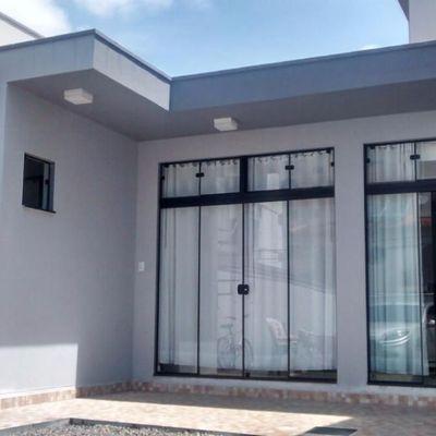 Excelente casa - 1 Qto - Semi Mobiliada - Bairro Fazenda - Itajaí/SC
