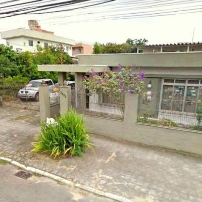 Excelente Casa - 5 Dormitórios - Bairro São João - Itajaí/SC - ACEITA PERMUTA!