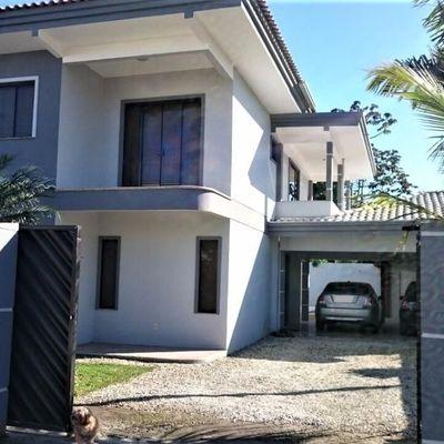Excelente Casa - 1 Suíte + 3 Qtos - Piscina - Centro - Navegantes/SC