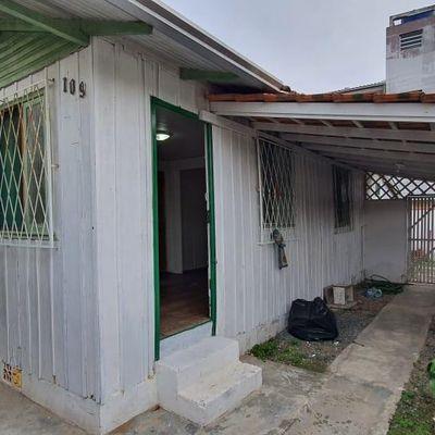 Ampla Casa ! - 2 Qts - Centro - Itajai/SC