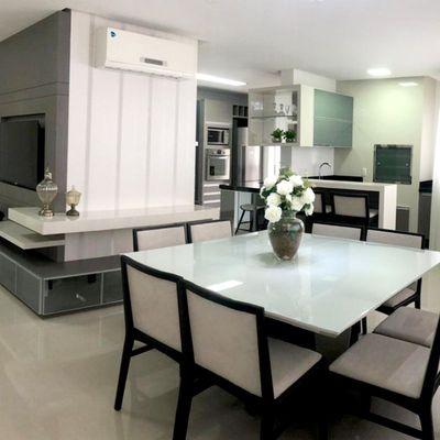 Apartamento à venda no Edifício Villa Castelli em Balneário Camboriú