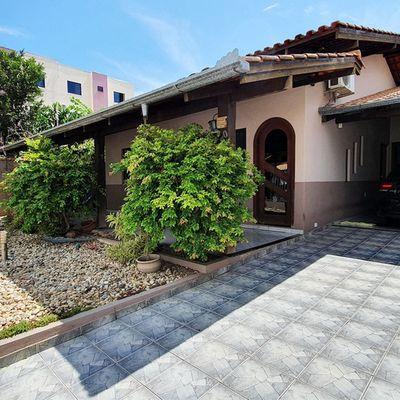 Casa à venda em Balneário Camboriú