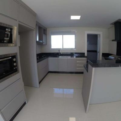 Apartamento para locação anual no Edifício Phoenix em Balneário Camboriú