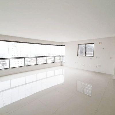 Apartamento à venda no Edifício Tuthmés em Balneário Camboriú