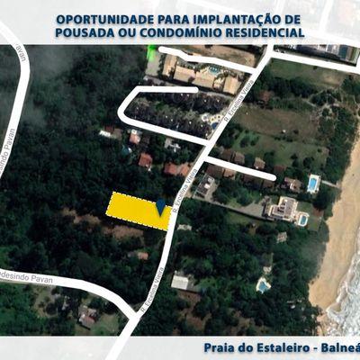 Terreno à venda na Praia do Estaleiro em Balneário Camboriú