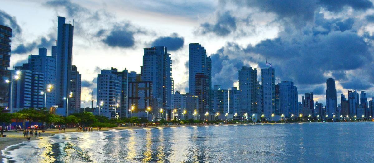 Por que investir em imóveis por Balneário Camboriú e não em Florianópolis