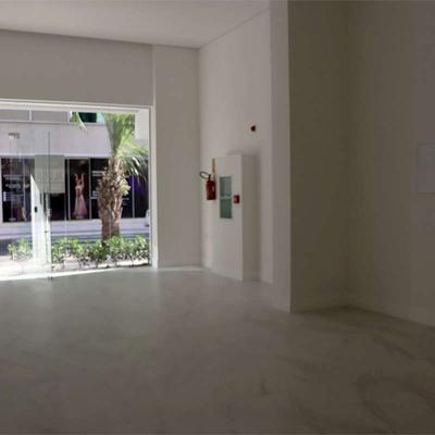 Sala Comercial para locação no Edificio Golden Bay em Balneário Camboriú