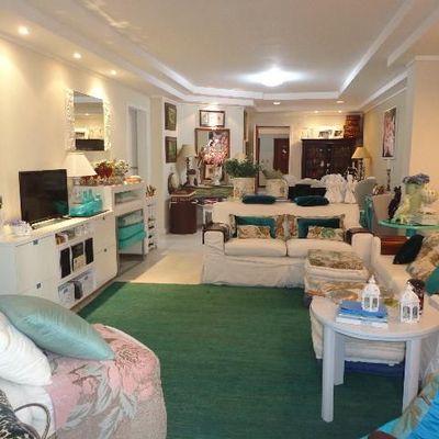 03 dormitórios - Quadra do Mar