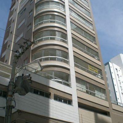 Aluguel Anual - 03 dormitórios - Centro - Balneário Camboriú