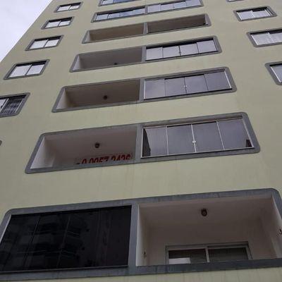 Apartamento a Venda 2 Quartos e Vaga Rotativa excelente localização Balneário Camboriú SC