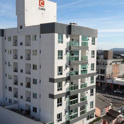 Apartamento 2 Quartos sendo 1 Suíte e 2 Vagas em excelente Localização no bairro São João em Itajaí SC