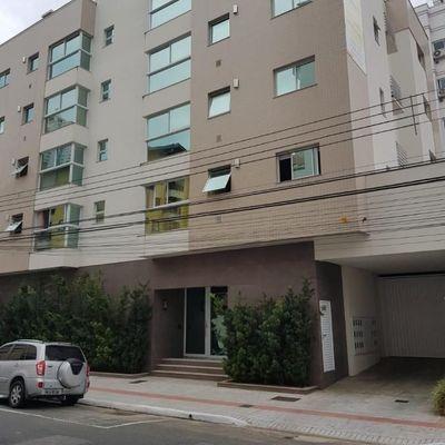 Apartamento à Venda 1 Suíte + 1 Quarto, Vaga Privativa, Salão de Festas, Piscina - Área Central de Balneário Camboriú - SC