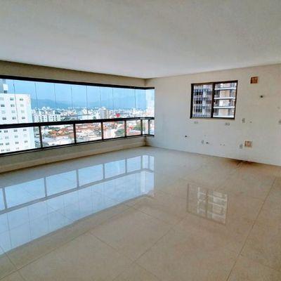 Apartamento Permuta + Saldo, 3 Quartos sendo 1 Suíte, 2 Vagas, alto padrão bem no Centro de Balneário Camboriú - SC