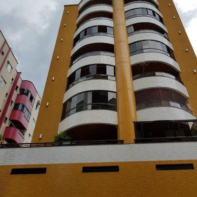 Apartamento para venda. Com 94 metros quadrados e 3 quartos em Centro - Balneário Camboriú - SC.