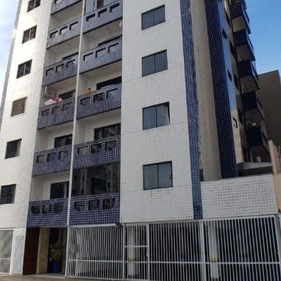 Apartamento 1 Quarto Banheiro grande Sem Vaga para Garagem em Rua Reta ao Mar na 2a Quadra