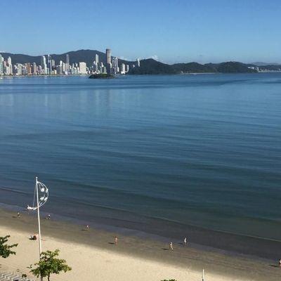 TENERIFE a Venda e Permuta Maravilhoso apartamento Mobiliado e Decorado na Barra Sul com 3 Suítes e 2 vagas excelentes vista Mar