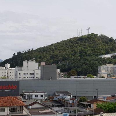 Apartamento NOVO 2 Quartos e 2 Vagas a 500 metros da Praia em Balneário Camboriú SC